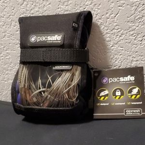 NWT Pacsafe Anti-theft backpack & bag protector